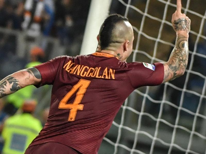 "Un tifoso della Juventus provoca, Nainggolan risponde: ""Non rosicare"""