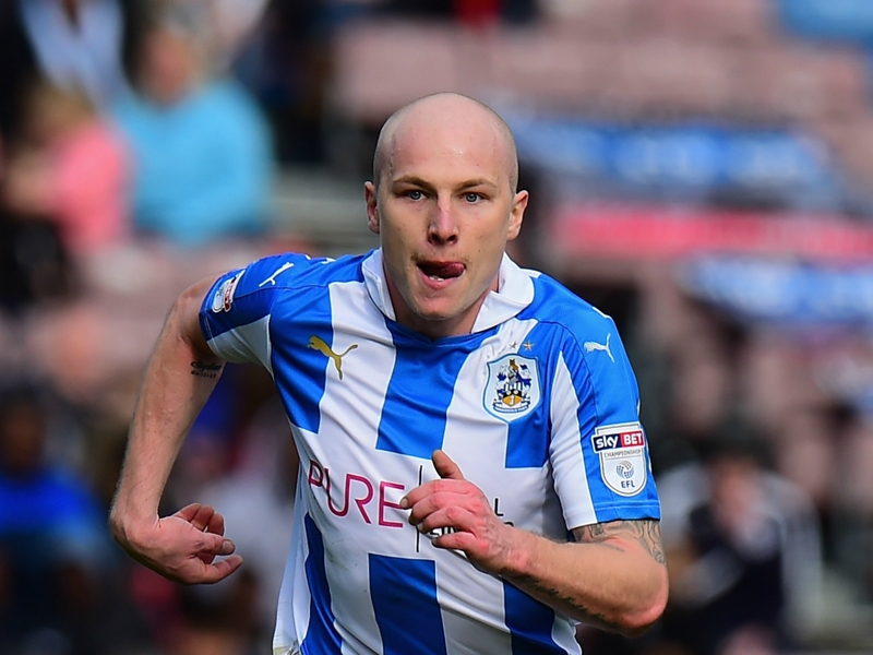Man City expected to sell Aaron Mooy