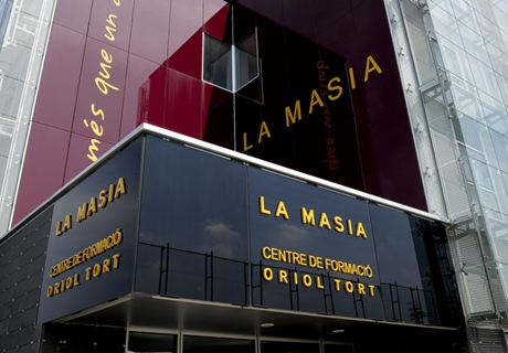 La Masia Antar Barcelona Jadi Terbaik