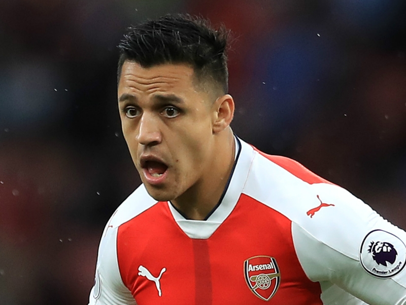 VIDEO: Arsenal future uncertain, but Alexis Sanchez still packing a punch in boxing workout
