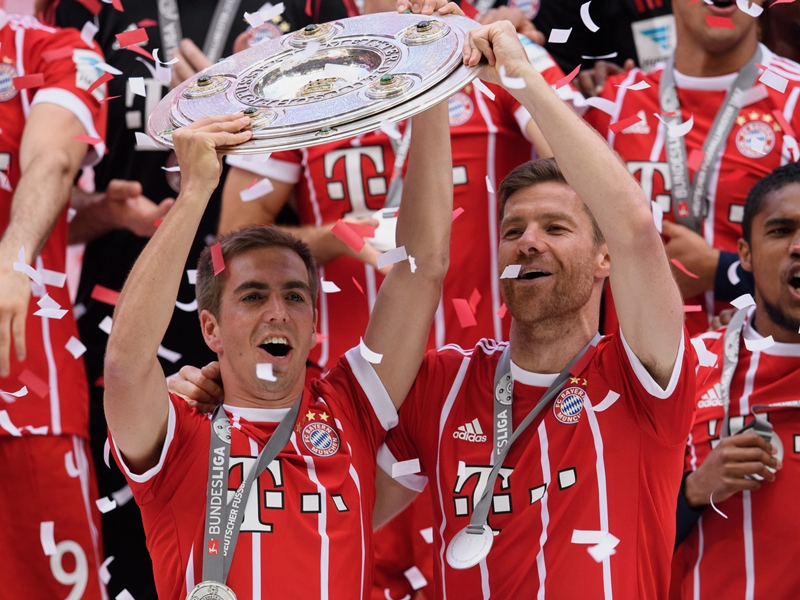 Ancelotti praises 'fantastic' Alonso and Lahm after emotional farewell