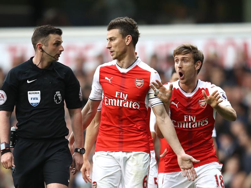 Arsenal, Koscielny suspendu trois matches et privé de finale de FA Cup