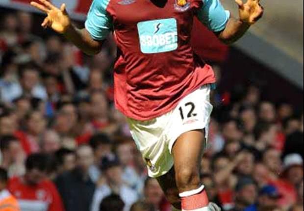 West Ham Banding Kartu Merah Carlton Cole