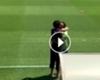 ► El abrazo de Ronaldinho y Neymar
