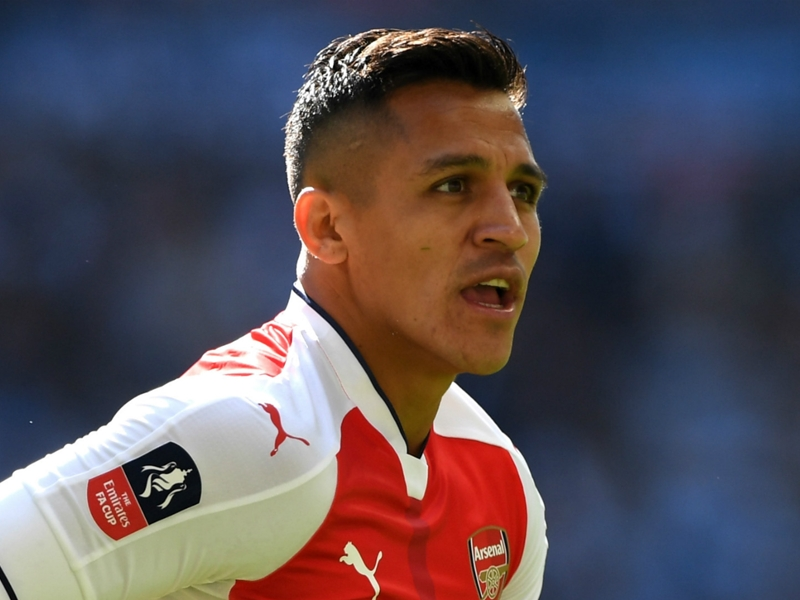 'Bayern can have Alexis if they give Arsenal Lewandowski!' - Wright airs ambitious transfer plan