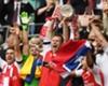 Özil lacht om Engelse 'kenners'