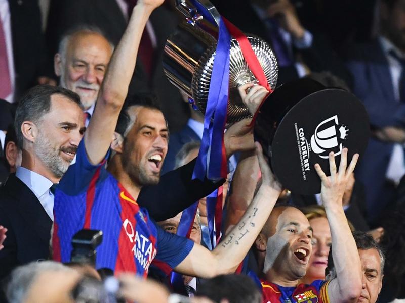 أنيستا أكثر لاعب إسباني حصدًا للألقاب