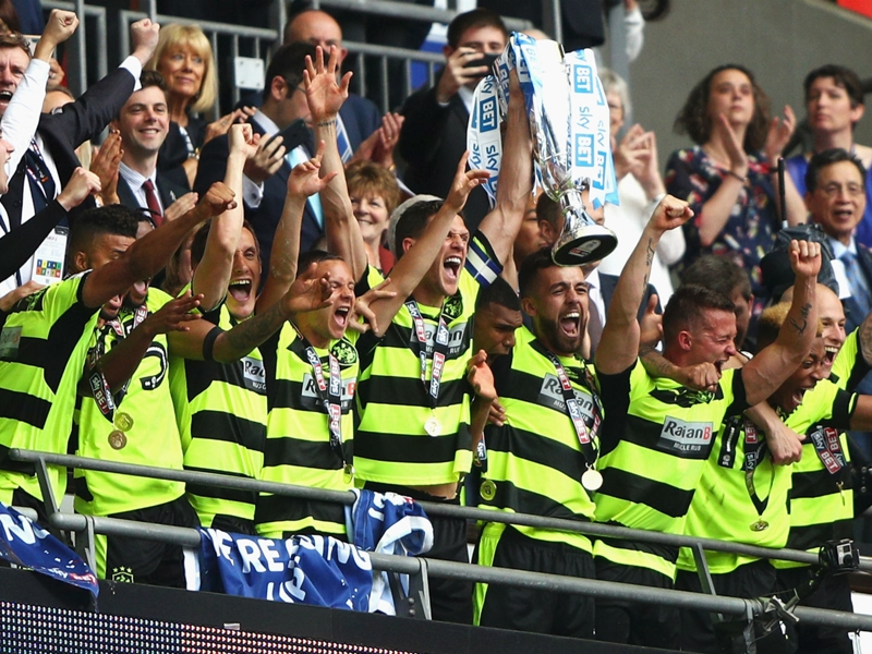 Huddersfield accède en Premier League
