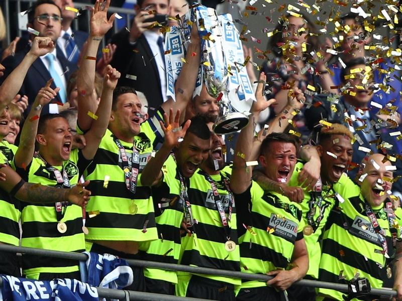 رسميًا | هدرسفيلد يصعد إلى الدوري الإنجليزي الممتاز