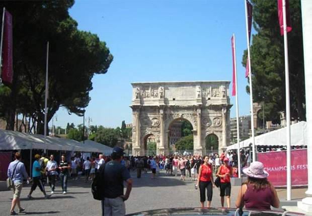 Rome Alcohol Ban Ignored As 50,000 Fans Arrive For Champions League Final