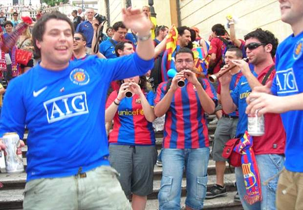 Manchester United & Barcelona Fans Come Together In Rome Party Atmosphere