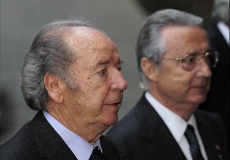 Cruyff: Barca image 'dirtied again'