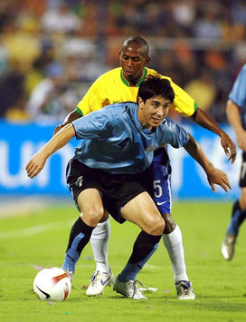 Mineiro - Jorge Fucile - Brazil-Uruguay (Mexsport)