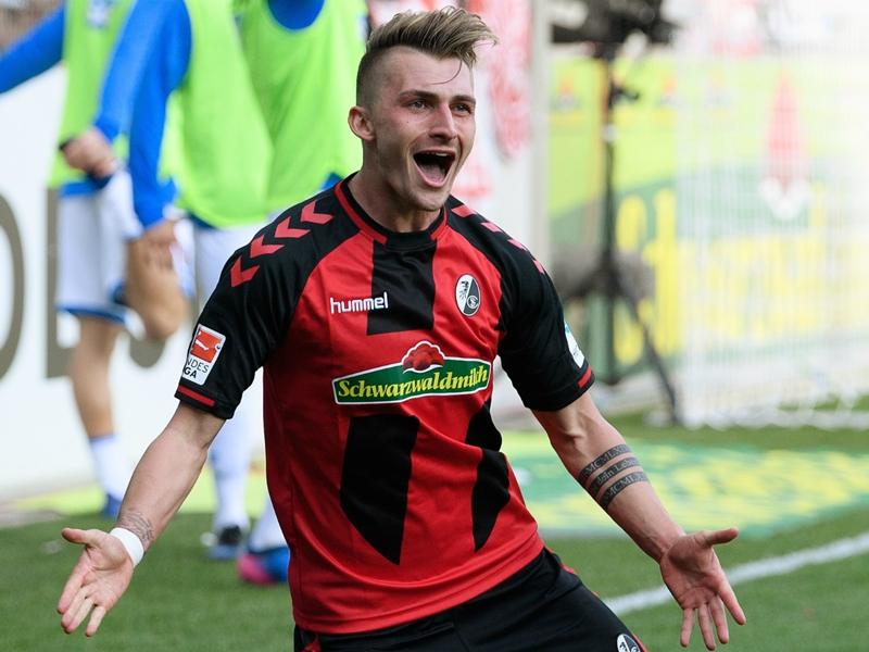 Borussia Dortmund sign Philipp from Freiburg for €20m