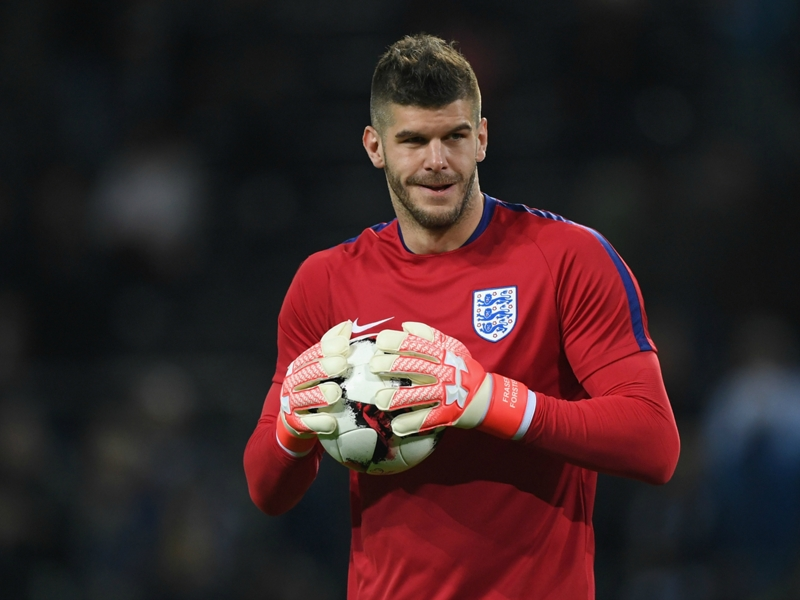 Forster out to overhaul Hart and become England's number one goalkeeper