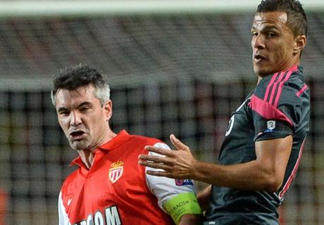 Monaco avec Toulalan et Moutinho