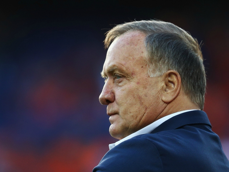 Advocaat emotional over Sneijder goal on record-breaking appearance