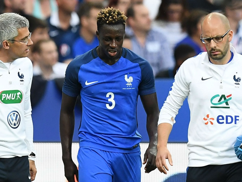 Man City target Mendy limps off for France in England friendly