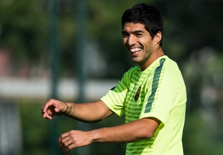 Suarez adds to El Clasico intrigue