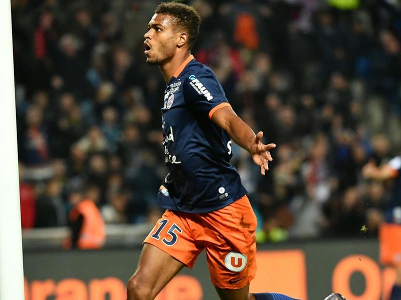 Steve Mounie quitte officiellement Montpellier et signe à Huddersfield Town