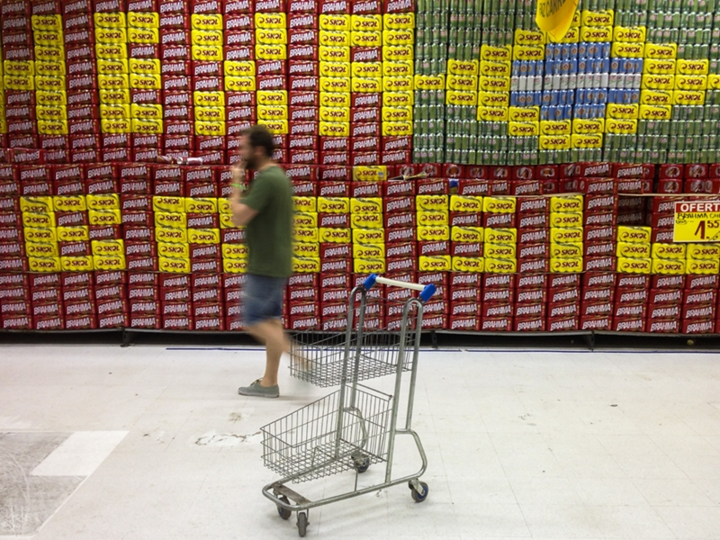 VIDEO: The greatest football skills you'll see in a supermarket
