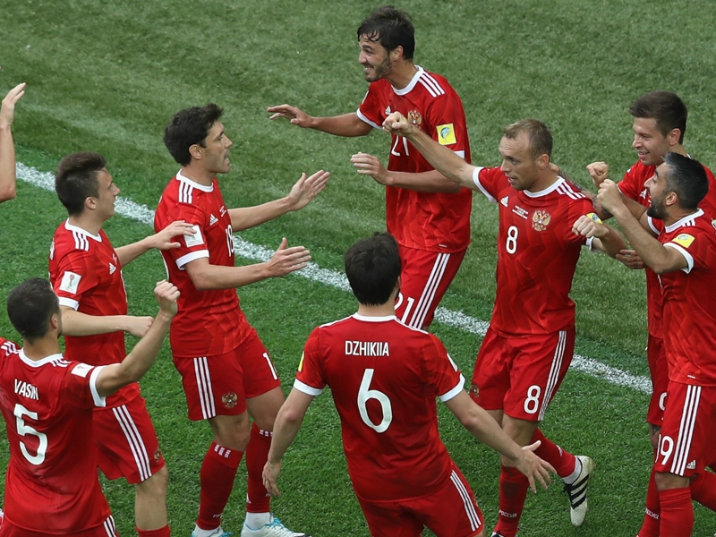 Russia 2 New Zealand 0: Hosts make confident start to Confederations Cup