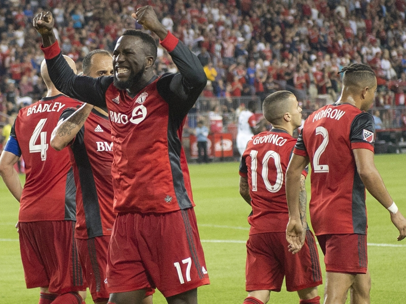 Stars combine to keep Toronto FC atop Supporters' Shield race