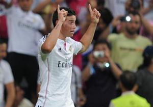 Con el Real Madrid ha disputado 3 clásicos ante el Atlético Madrid con saldo de un empate y 2 derrotas