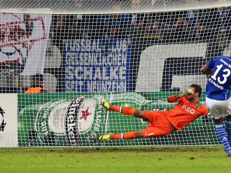 Ultime Notizie: Furia Sporting Lisbona: chiesta all'UEFA la ripetizione del match con lo Schalke 04