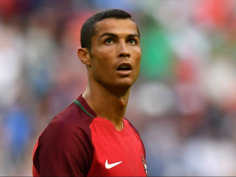 LIVE: Russia vs Portugal
