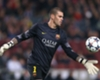 Valdes to train with United