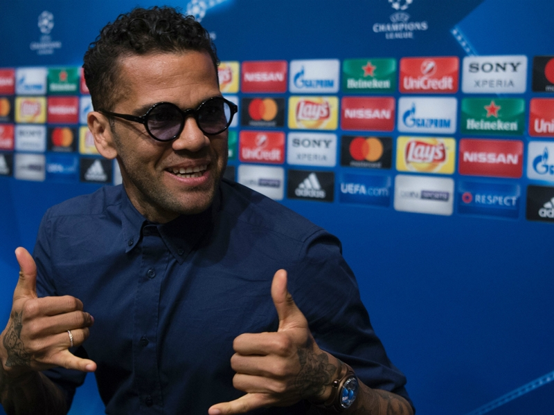 Ignore Man Utd controversy, Dani Alves will help establish City as best in Manchester