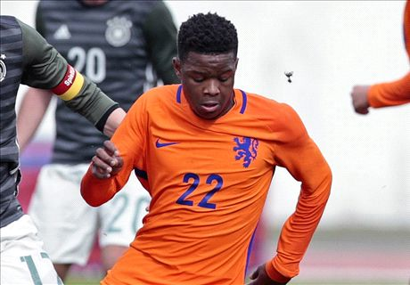 Chelsea sign Ajax wonderkid Redan