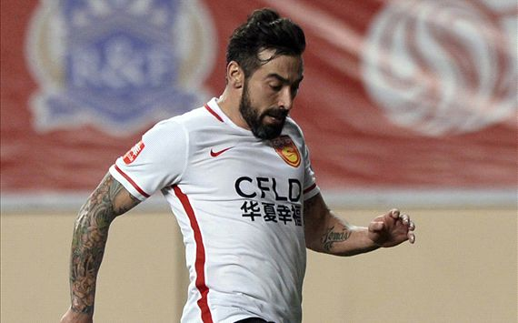 VIDEO: Lavezzi lashes out in China fury