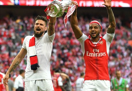 West Ham eye Giroud & Walcott