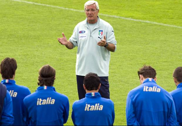 Italy Boss Lippi Rules Out Totti Return But Gives Cassano Hope