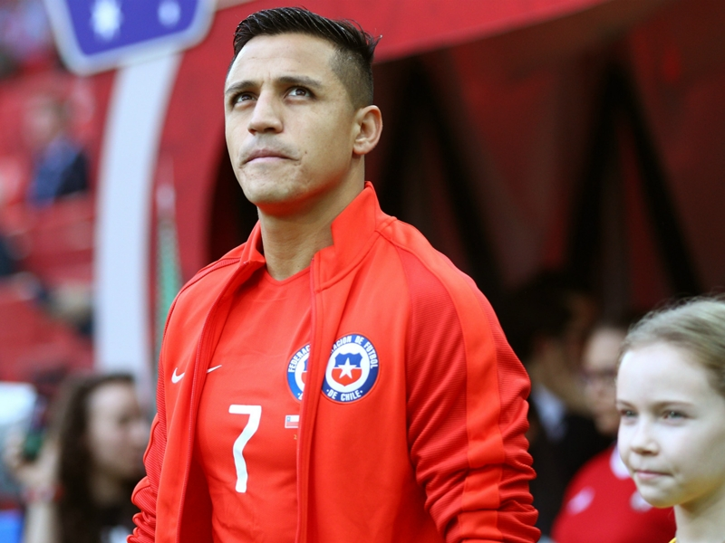 Alexis Sanchez back in Chile on holiday amid speculation over future