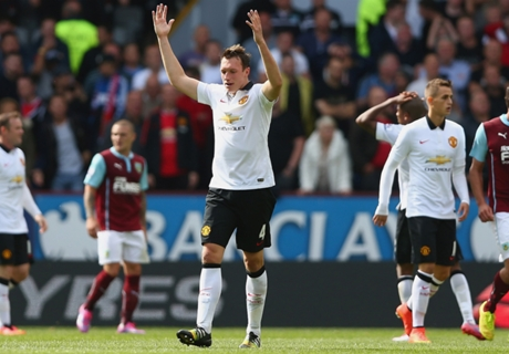 Man Utd must attack Chelsea - Jones