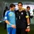 Claudio Bravo e Iker Casillas están entre los nominados por FIFA.