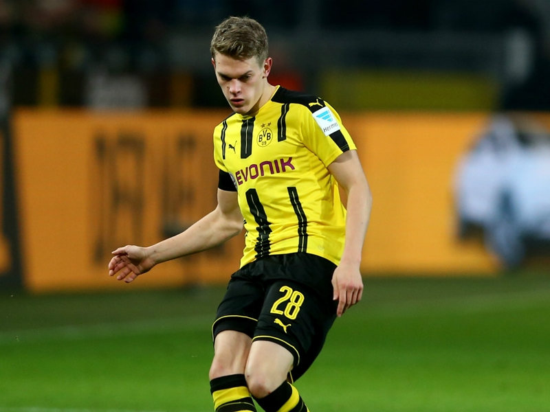 Gladbach sign Ginter from Borussia Dortmund in deal which could reach €20m