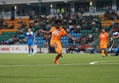 Albirex maintain slim title hopes