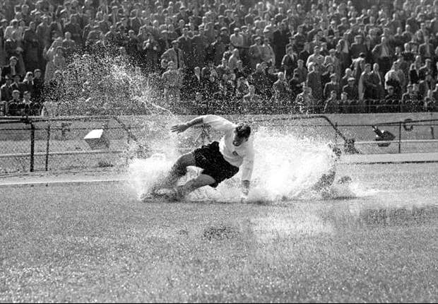 Football pays tribute to Preston North End legend Sir Tom Finney