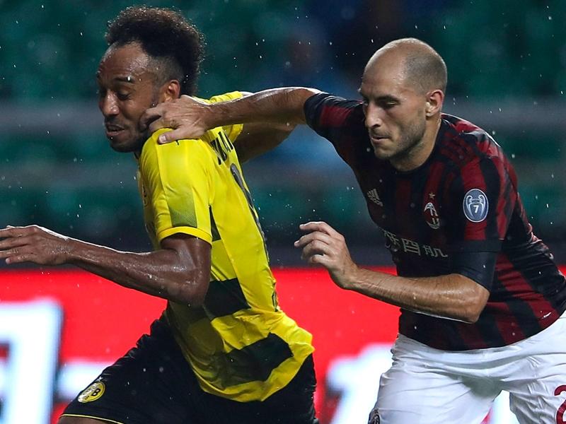 Calciomercato, il Milan blinda Paletta per l'Europa: il Torino deve aspettare