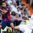 Ramos divide bola com o atacante Pedro, do Barça