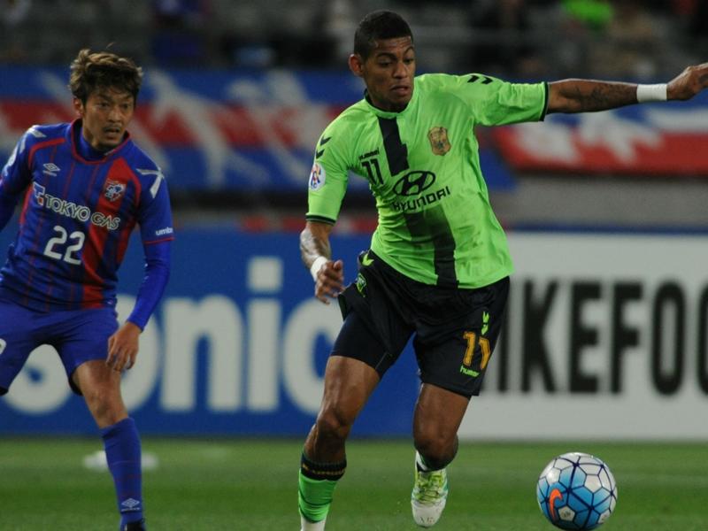 VIDEO: Jeonbuk's Lopes sent off for vicious kick