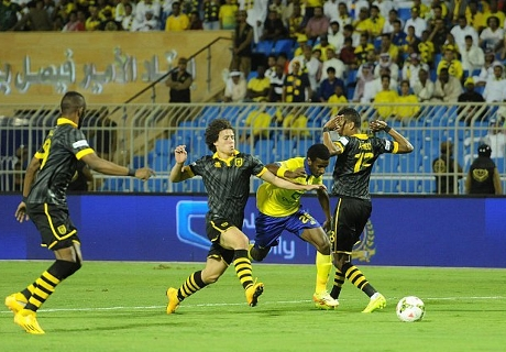 بالصور | النصر يفوز على الاتحاد في ليلة البطاقات الحمراء
