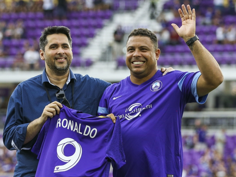 Orlando City presents Ronaldo with jersey ahead of Atlanta match