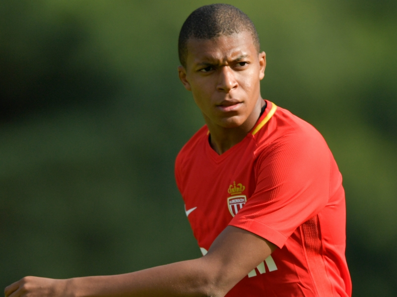 Man City to step up Mbappe interest if Alexis joins PSG