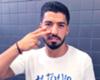 Luis Suárez muestra su cara más solidaria