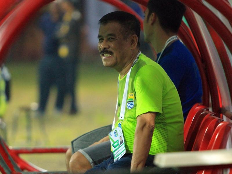 Manajer Persib Bandung: Ezechiel N'Douassel Menjanjikan